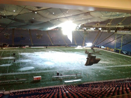 Metrodome Roof Collapse_20101212113631_JPG